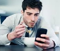 smartphone eating